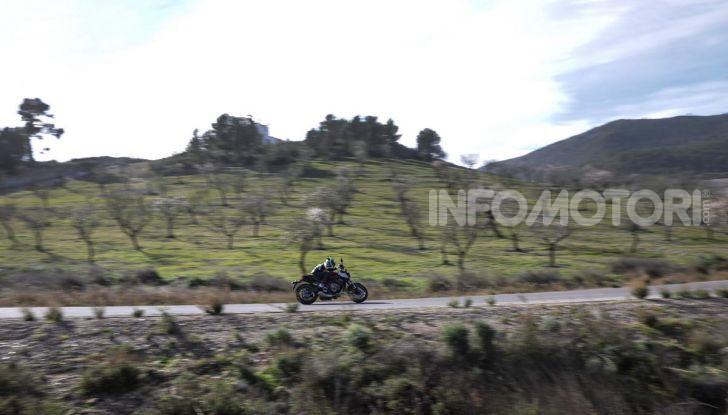 Prova su strada Honda CB650R e CBR650R 2019, caratteristiche, prezzi ed opinioni - Foto 16 di 78