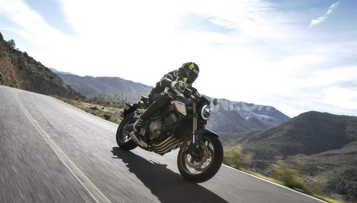 Prova su strada Honda CB650R e CBR650R 2019, caratteristiche, prezzi ed opinioni - Foto 20 di 78