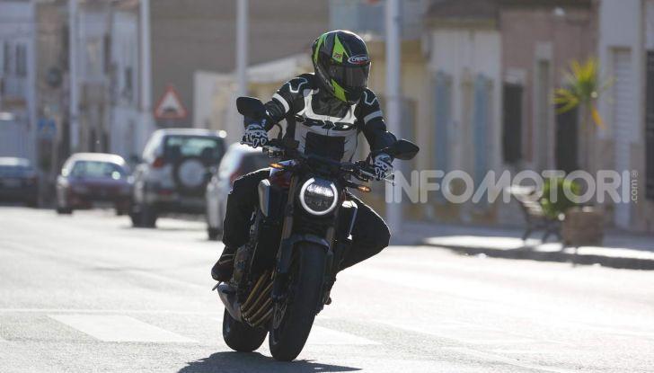 Prova su strada Honda CB650R e CBR650R 2019, caratteristiche, prezzi ed opinioni - Foto 23 di 78