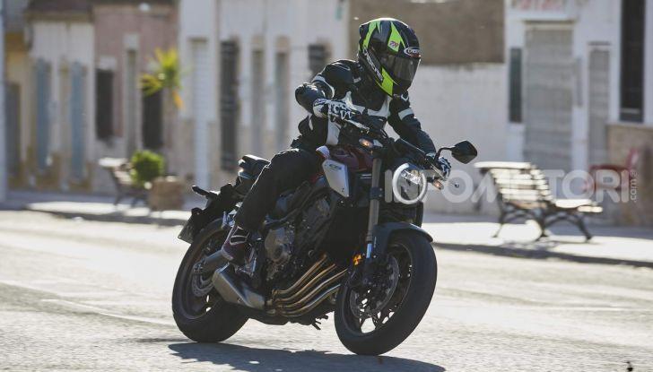Prova su strada Honda CB650R e CBR650R 2019, caratteristiche, prezzi ed opinioni - Foto 24 di 78