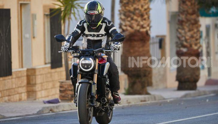 Prova su strada Honda CB650R e CBR650R 2019, caratteristiche, prezzi ed opinioni - Foto 26 di 78