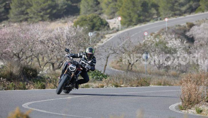 Prova su strada Honda CB650R e CBR650R 2019, caratteristiche, prezzi ed opinioni - Foto 30 di 78