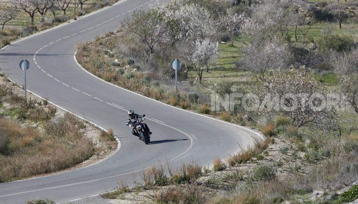 Prova su strada Honda CB650R e CBR650R 2019, caratteristiche, prezzi ed opinioni - Foto 34 di 78