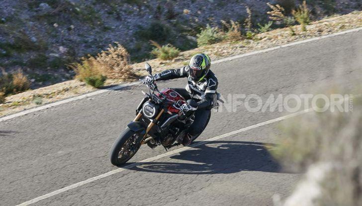 Prova su strada Honda CB650R e CBR650R 2019, caratteristiche, prezzi ed opinioni - Foto 35 di 78