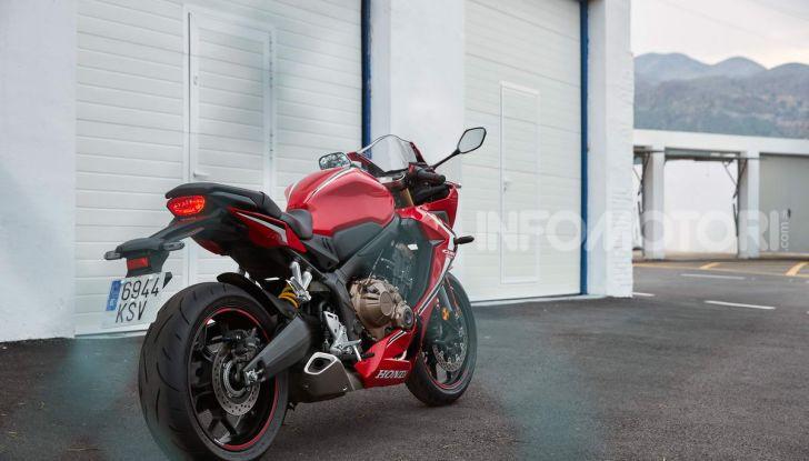Prova su strada Honda CB650R e CBR650R 2019, caratteristiche, prezzi ed opinioni - Foto 38 di 78
