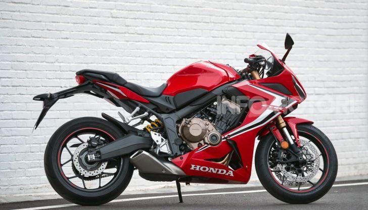 Prova su strada Honda CB650R e CBR650R 2019, caratteristiche, prezzi ed opinioni - Foto 39 di 78