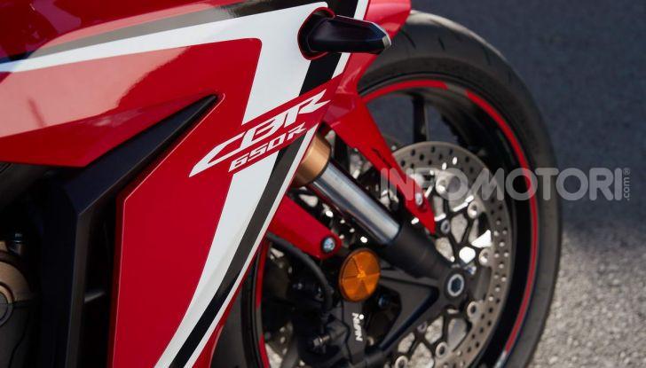 Prova su strada Honda CB650R e CBR650R 2019, caratteristiche, prezzi ed opinioni - Foto 40 di 78