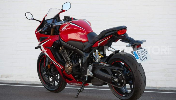 Prova su strada Honda CB650R e CBR650R 2019, caratteristiche, prezzi ed opinioni - Foto 42 di 78