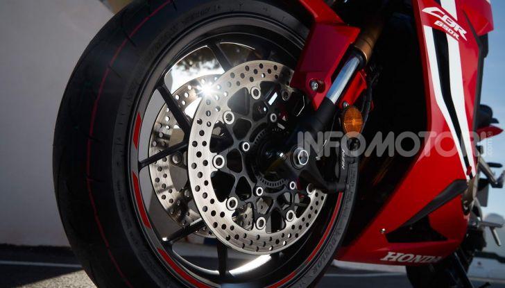 Prova su strada Honda CB650R e CBR650R 2019, caratteristiche, prezzi ed opinioni - Foto 44 di 78