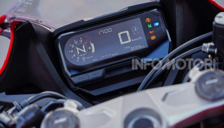 Prova su strada Honda CB650R e CBR650R 2019, caratteristiche, prezzi ed opinioni - Foto 47 di 78