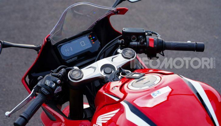 Prova su strada Honda CB650R e CBR650R 2019, caratteristiche, prezzi ed opinioni - Foto 49 di 78