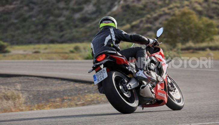 Prova su strada Honda CB650R e CBR650R 2019, caratteristiche, prezzi ed opinioni - Foto 57 di 78