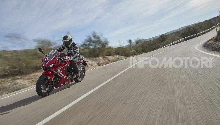 Prova su strada Honda CB650R e CBR650R 2019, caratteristiche, prezzi ed opinioni - Foto 65 di 78