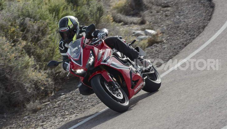 Prova su strada Honda CB650R e CBR650R 2019, caratteristiche, prezzi ed opinioni - Foto 70 di 78