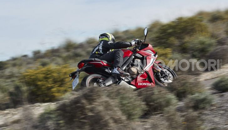Prova su strada Honda CB650R e CBR650R 2019, caratteristiche, prezzi ed opinioni - Foto 73 di 78