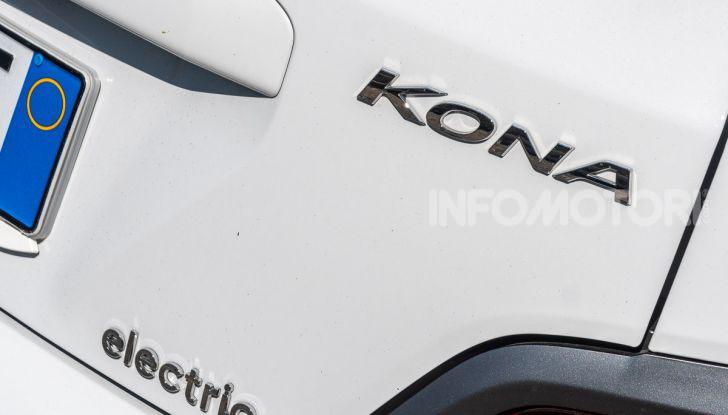 Prova su strada Hyundai Kona Electric, il B-SUV elettrico a prova di vacanza - Foto 6 di 46