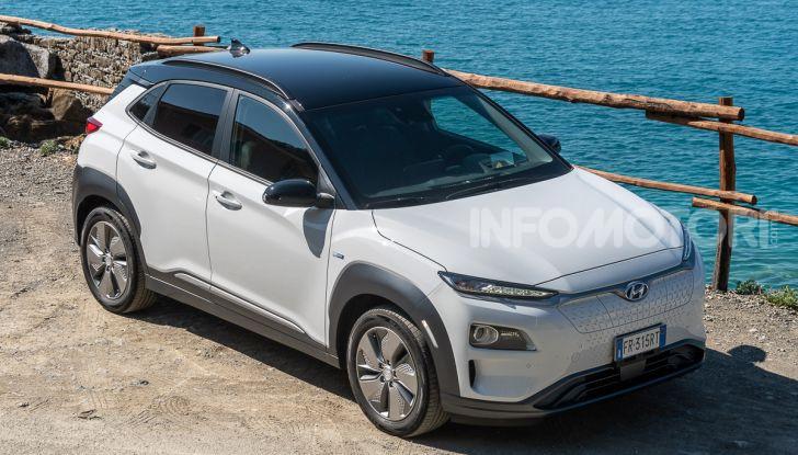 Prova su strada Hyundai Kona Electric, il B-SUV elettrico a prova di vacanza - Foto 4 di 46