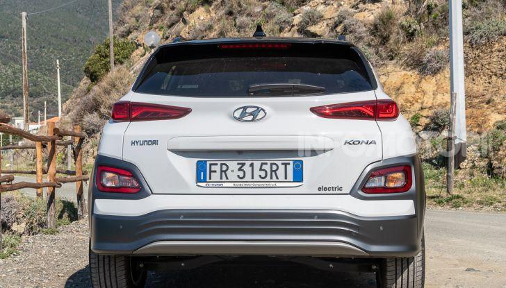 Prova su strada Hyundai Kona Electric, il B-SUV elettrico a prova di vacanza - Foto 23 di 46