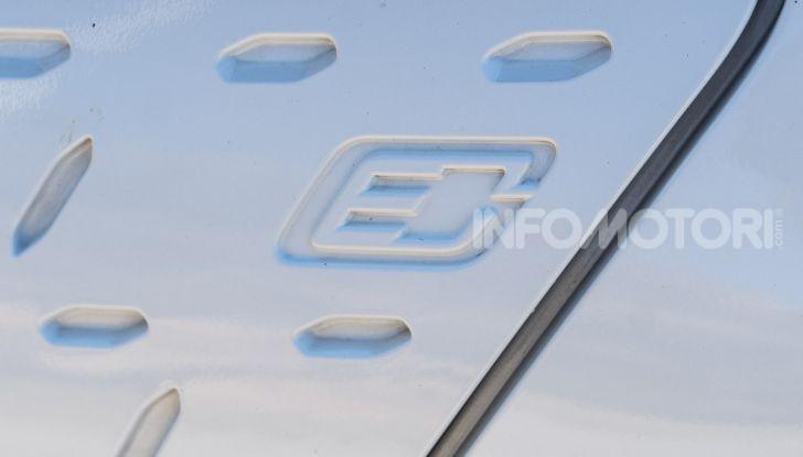 Prova su strada Hyundai Kona Electric, il B-SUV elettrico a prova di vacanza - Foto 25 di 46