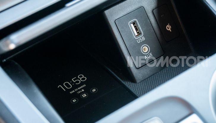 Prova su strada Hyundai Kona Electric, il B-SUV elettrico a prova di vacanza - Foto 31 di 46