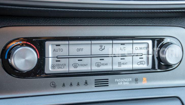 Prova su strada Hyundai Kona Electric, il B-SUV elettrico a prova di vacanza - Foto 32 di 46