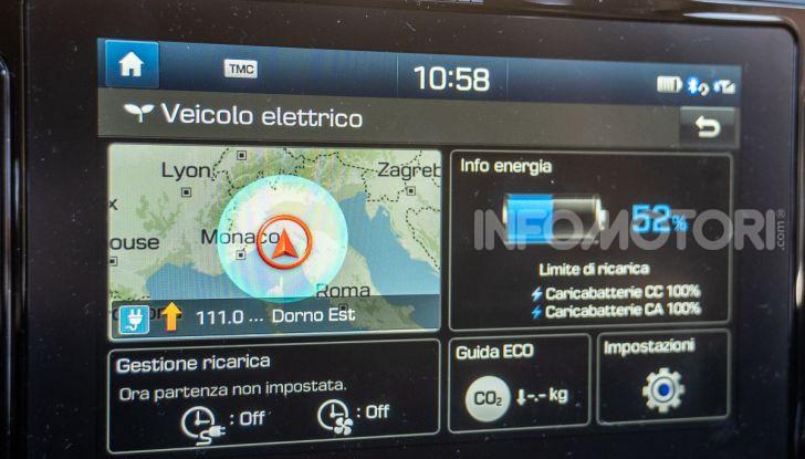 Prova su strada Hyundai Kona Electric, il B-SUV elettrico a prova di vacanza - Foto 34 di 46