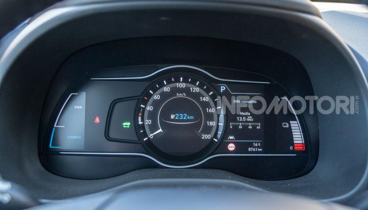 Prova su strada Hyundai Kona Electric, il B-SUV elettrico a prova di vacanza - Foto 36 di 46