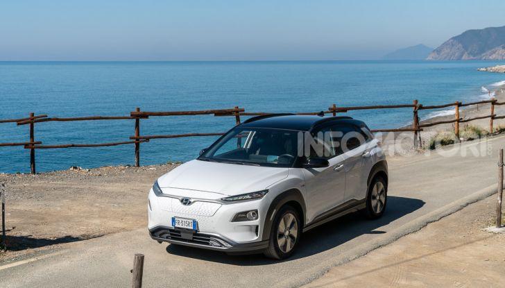 Prova su strada Hyundai Kona Electric, il B-SUV elettrico a prova di vacanza - Foto 43 di 46