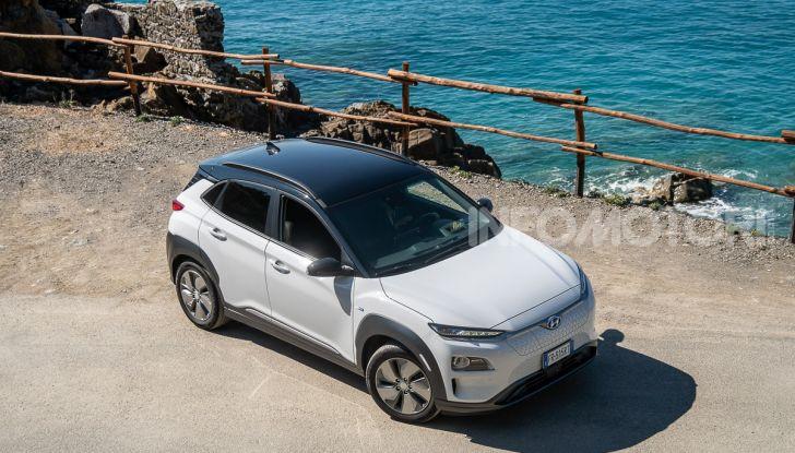 Prova su strada Hyundai Kona Electric, il B-SUV elettrico a prova di vacanza - Foto 46 di 46