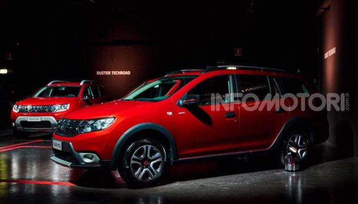 Dacia Serie Speciale Techroad disponibile su tutta la gamma - Foto 10 di 15