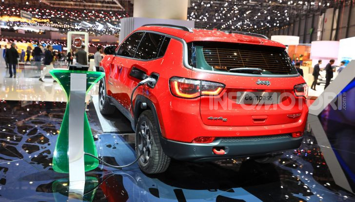Jeep Compass e Renegade 4Xe: al via le ordinazioni - Foto 11 di 28