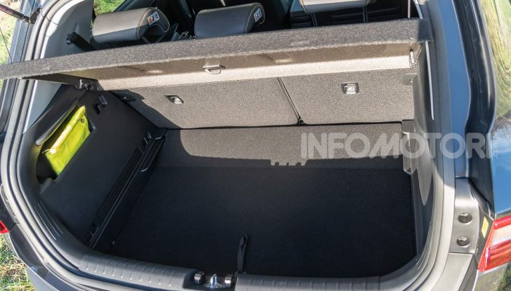 Prova Kia Stonic 1.6 CRDI da 110 CV: il Crossover per tutti! - Foto 18 di 34