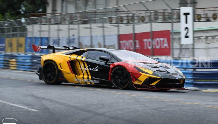 Lamborghini Aventador Liberty Walk, tuning da auto da corsa - Foto 10 di 10