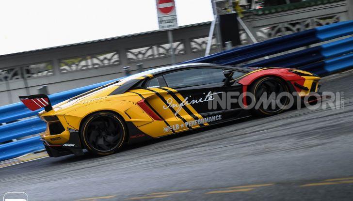 Lamborghini Aventador Liberty Walk, tuning da auto da corsa - Foto 5 di 10
