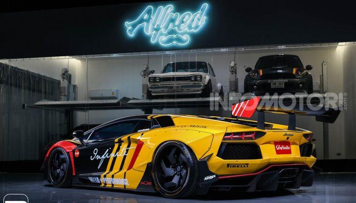 Lamborghini Aventador Liberty Walk, tuning da auto da corsa - Foto 3 di 10