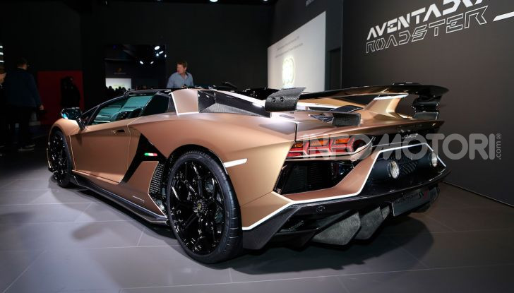 Lamborghini: la fibra di carbonio ora si sviluppa nello spazio - Foto 12 di 15