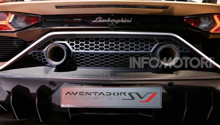 Lamborghini Aventador SVJ Roadster - Foto 10 di 15
