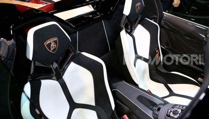 Lamborghini Aventador SVJ Roadster - Foto 11 di 15