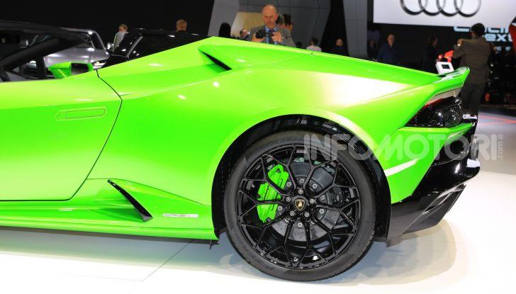 Lamborghini Huracán EVO Spyder - Foto 17 di 32
