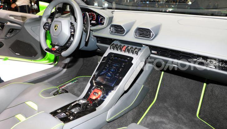 Lamborghini Huracán EVO Spyder - Foto 15 di 32