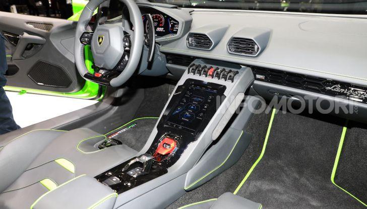 Lamborghini Huracán EVO Spyder - Foto 12 di 32