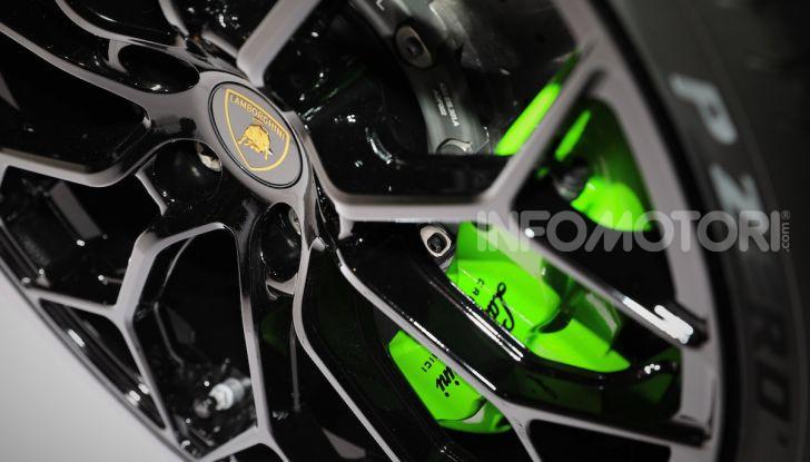 Lamborghini Huracán EVO Spyder - Foto 32 di 32