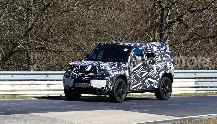 Nuova Land Rover Defender 2020, nuove immagini dei test dinamici - Foto 4 di 18