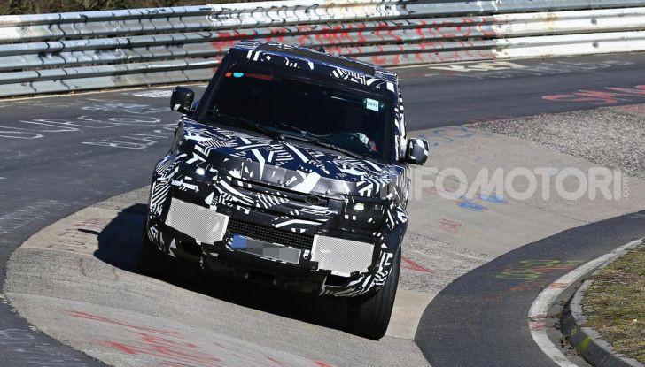 Nuova Land Rover Defender 2020, nuove immagini dei test dinamici - Foto 8 di 18