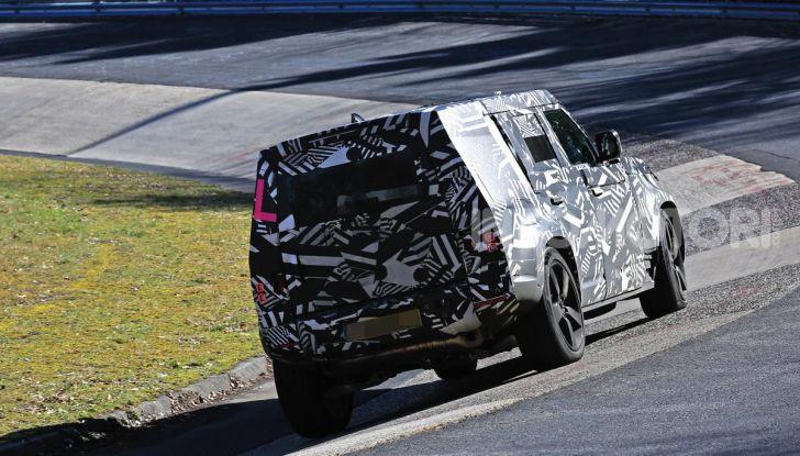 Nuova Land Rover Defender 2020, nuove immagini dei test dinamici - Foto 5 di 18