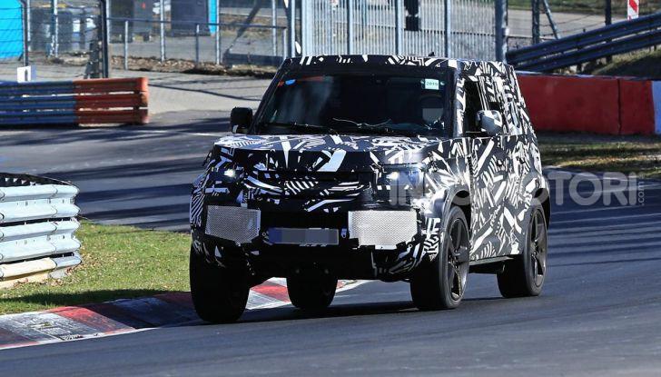 Nuova Land Rover Defender 2020, nuove immagini dei test dinamici - Foto 16 di 18