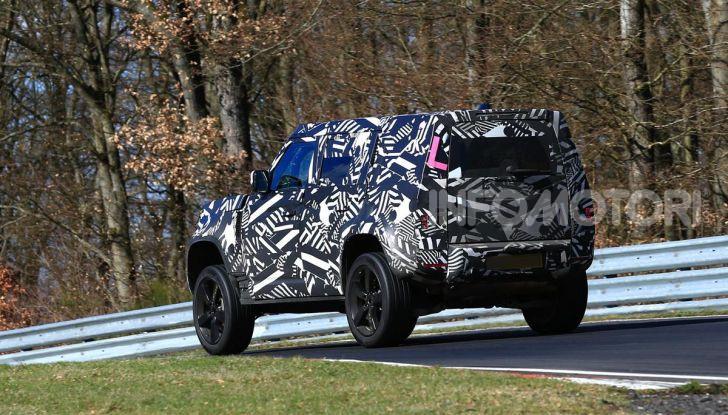 Nuova Land Rover Defender 2020, nuove immagini dei test dinamici - Foto 9 di 18