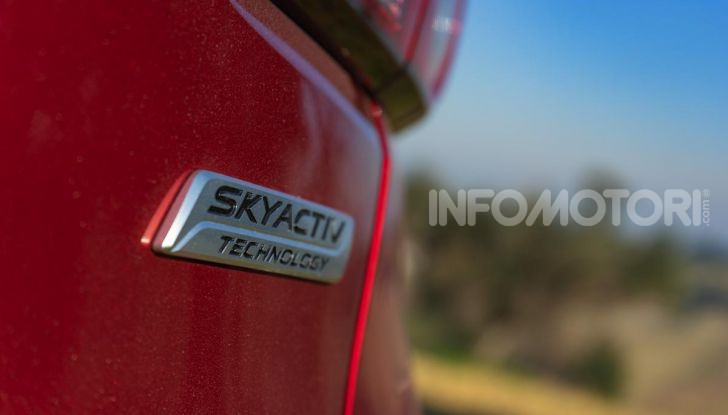 Prova Mazda CX-3 con il benzina da 121CV: tanto divertimento e stile! - Foto 16 di 36