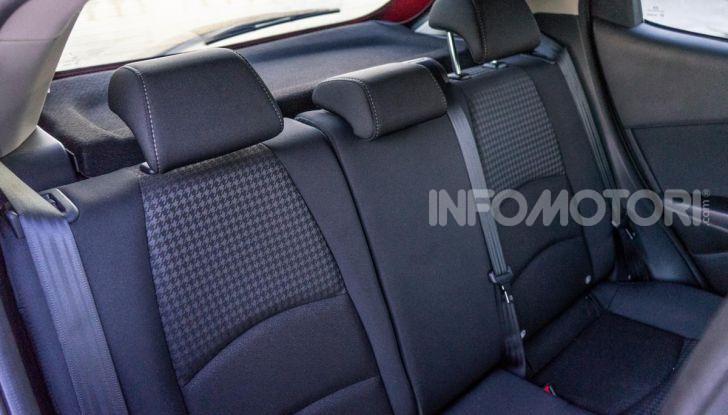 Prova nuova Mazda2: la leggerezza dell'1.5 Skyactiv-G da 90CV a benzina - Foto 17 di 26