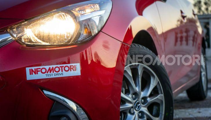 Prova nuova Mazda2: la leggerezza dell'1.5 Skyactiv-G da 90CV a benzina - Foto 20 di 26